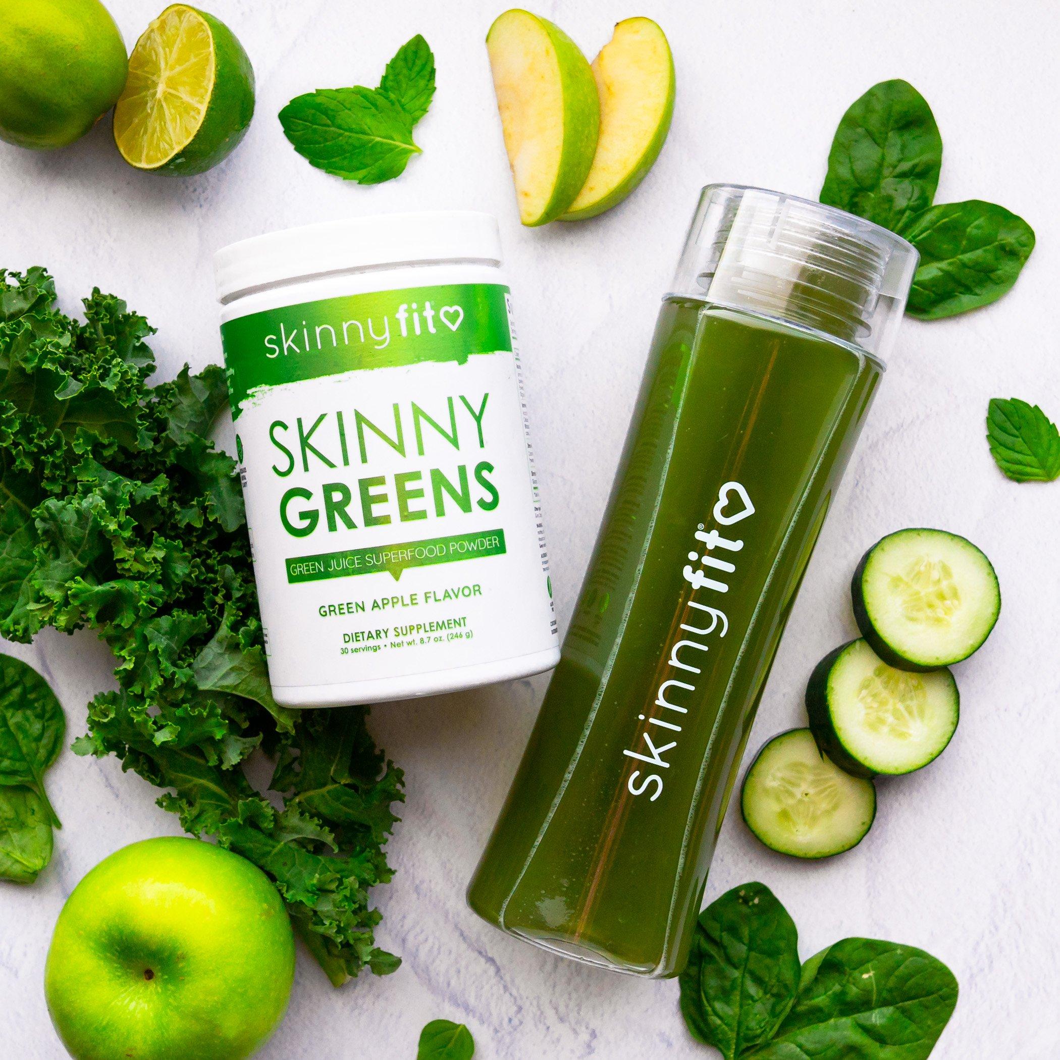 Skinny Greens superfood powder with chlorella and spirulina, so you don't have to choose between chlorella vs spirulina